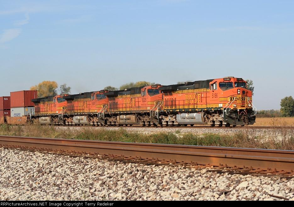 BNSF 5186