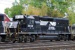 NS 3032 on Amtrak KN702