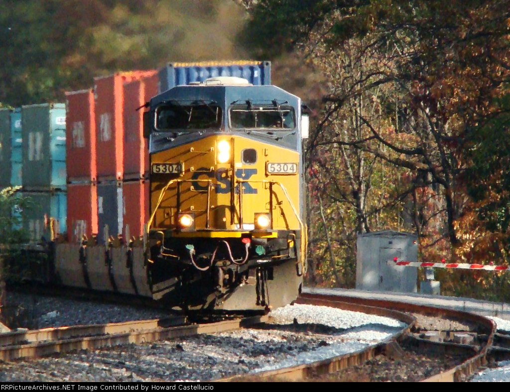 In a matter of minutes, 5304 glides through the curve WB @ Willow Creek Ind.