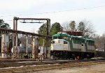 RNCX 18551 & 18541 spend New Year's Day beside an empty fuel rack at NS Glenwood Yard