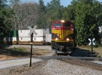 KCSM 4062 leads 220 around the curve at Lithia Springs