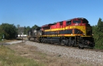 KCSM 4062 leading 220 around the curve at Douglasville