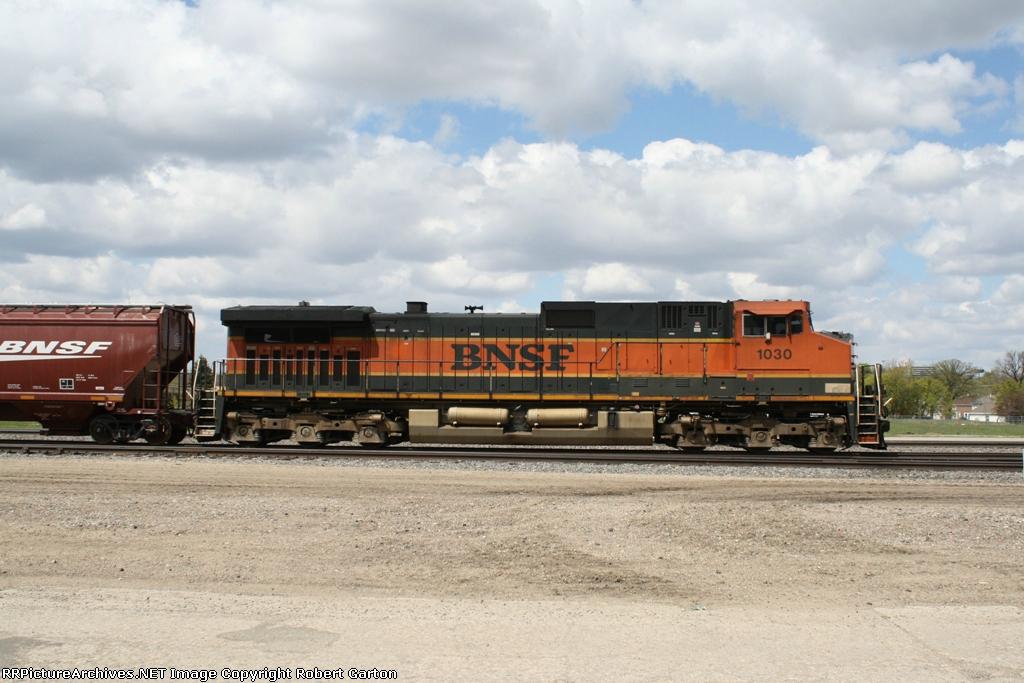 BNSF 1030 is a Grain Train DPU