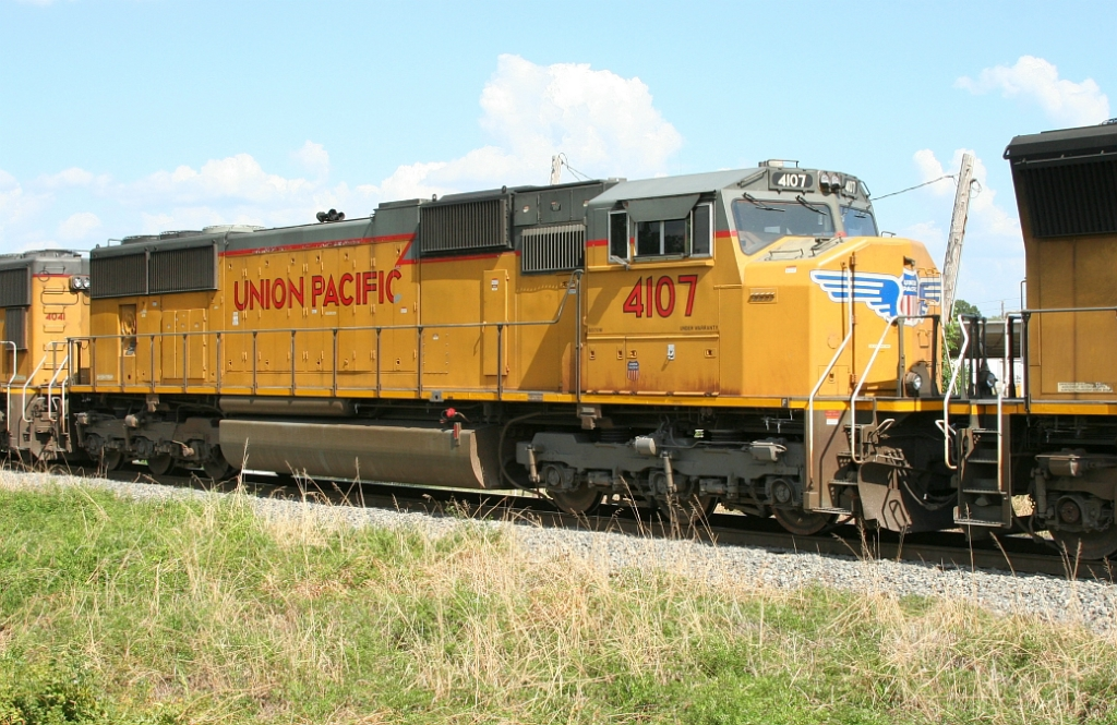 UP 4107 on SB freight