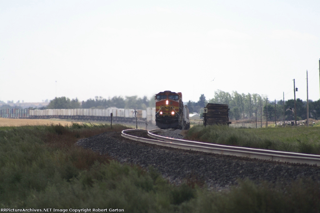 BNSF 4307 in the Lead on an Eastbound Z Train