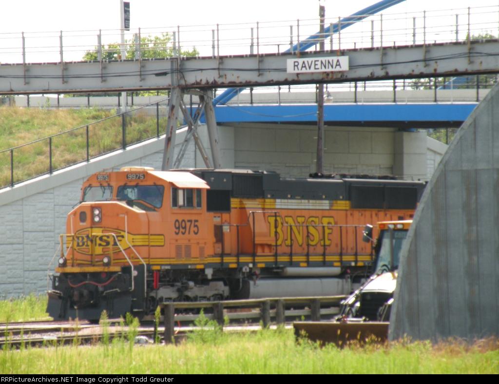 BNSF 9975 at Ravenna