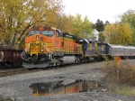 BNSF 5136 lead Loco for Ringling Bros.