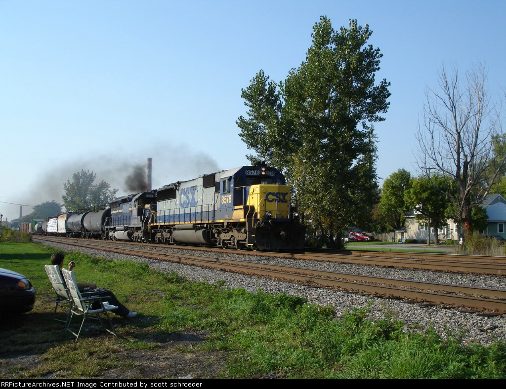CSX 8578 & HLCX 9010 work EB past out chairs and Jerred on the #2 Track