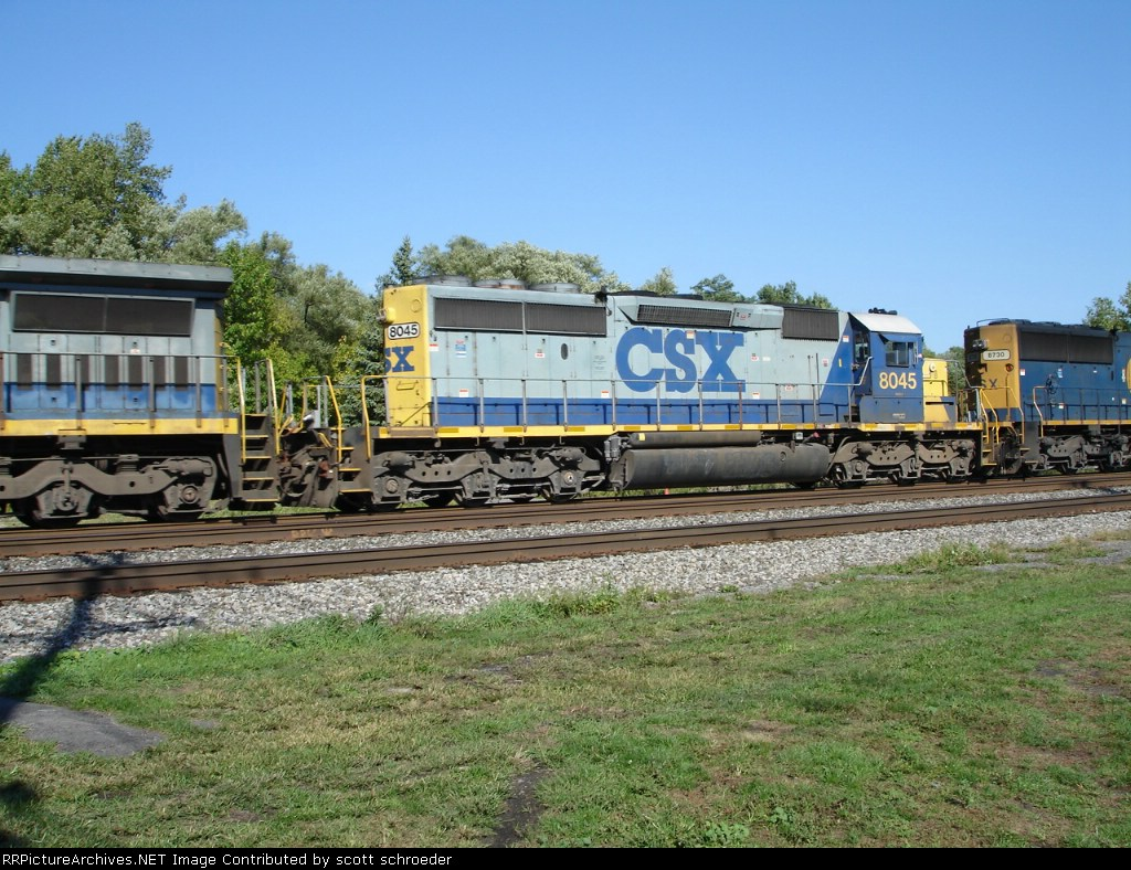 CSX 8045 & CSX 8730 run long nose forward on the #1 Track WB