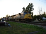 CSX 725 & CSX 7576 are back to back heading EB on the Shore