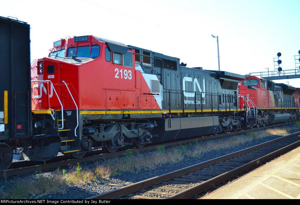 CN 2193