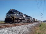 NS loaded grain southbound train approach on MP 50.8 in Wyoming, DE