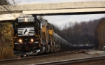 NS 6518 leads UP units west with empty ethanol Lilly PA
