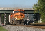 BNSF 6020 leads NS 732 past the Austell NAS signals