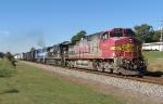 Santa Fe 606 leads NS 172 through Buford