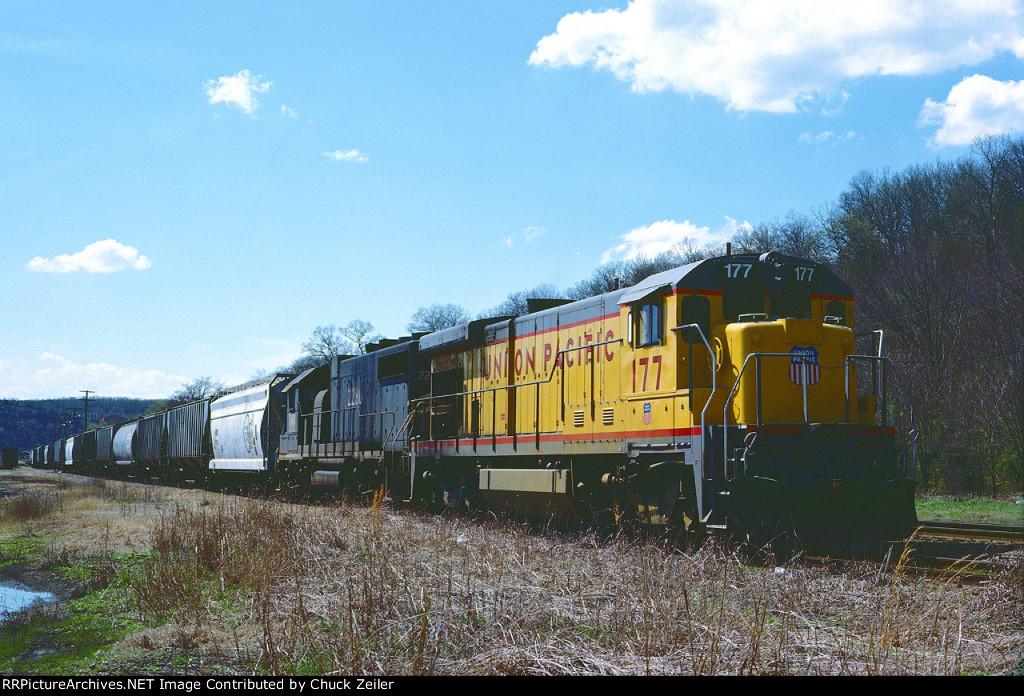UP B23-7 177