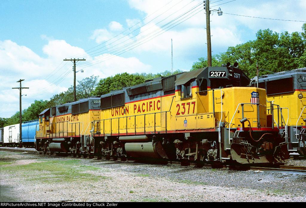 UP GP39-2 2377