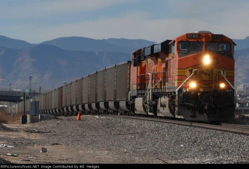 BNSF 5742