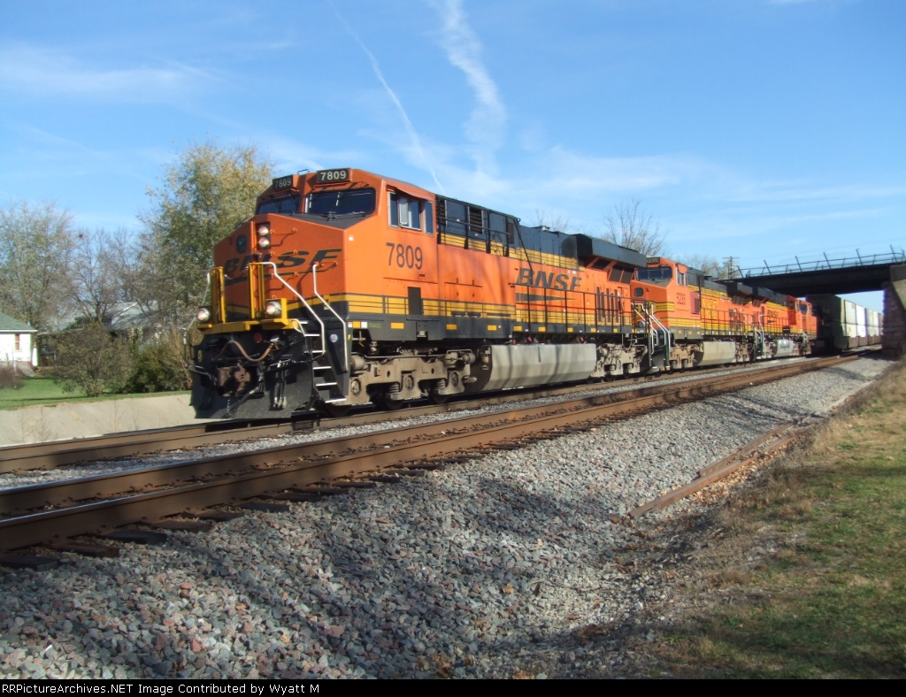 BNSF 7809 and 5235