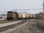 CSX 5299 leads G673-13 past the east end of Old 17