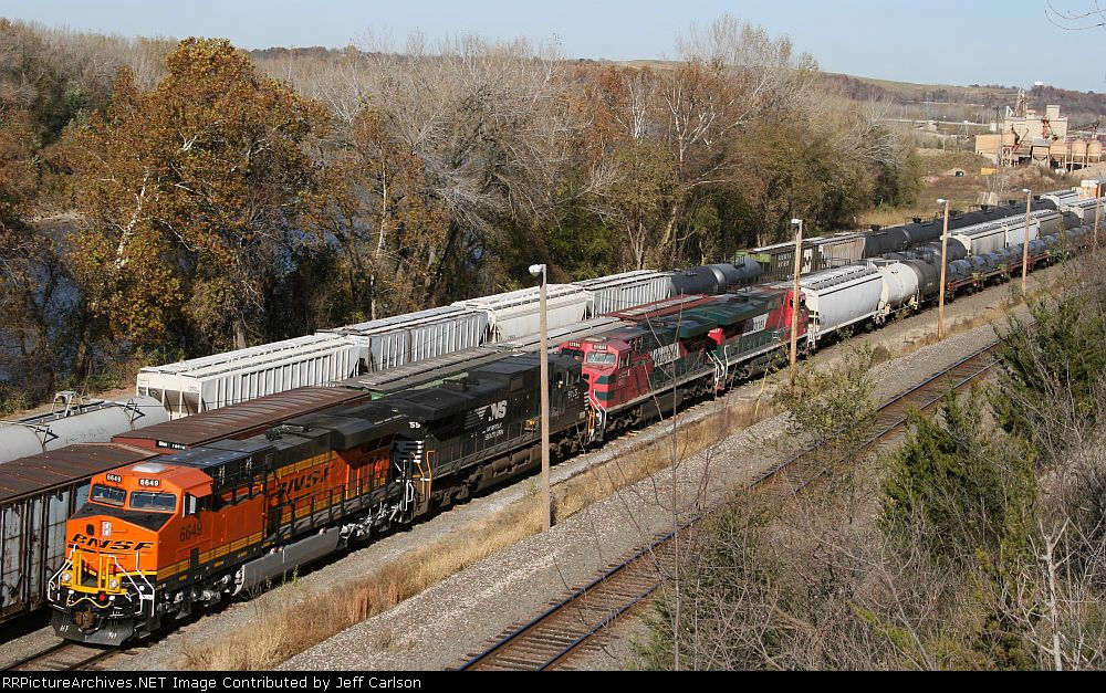 New BNSF C4 #6649, with NS and Ferromex power