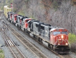 CN 5693 leads 4 more CN and an IC unit