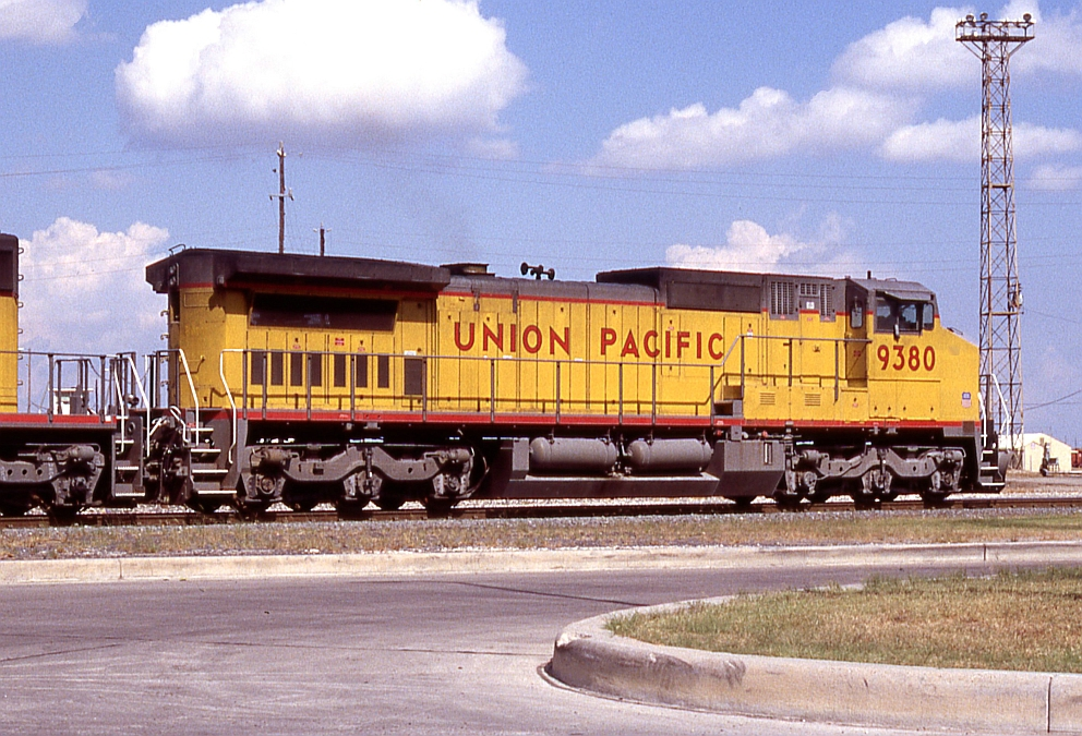 UP 9380 on a WB freight in Englewood