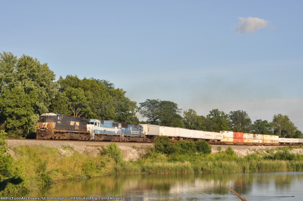 NS 9947 On NS 216 Westbound