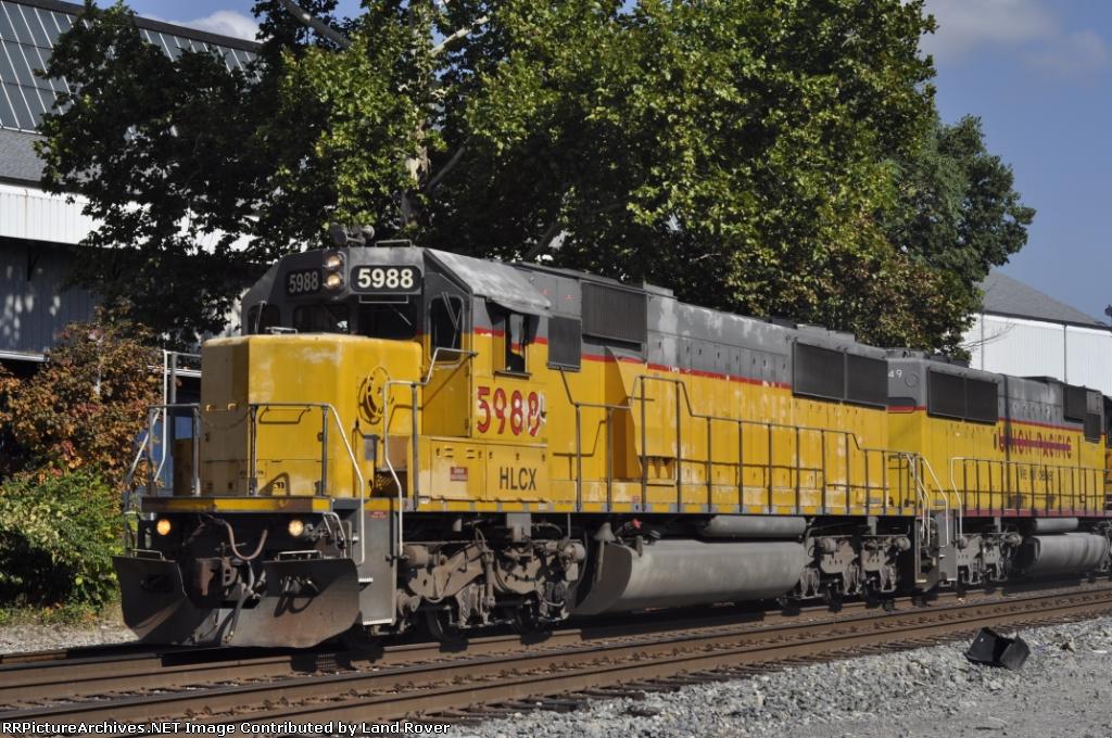 HLCX 5988 On NS 53 Q
