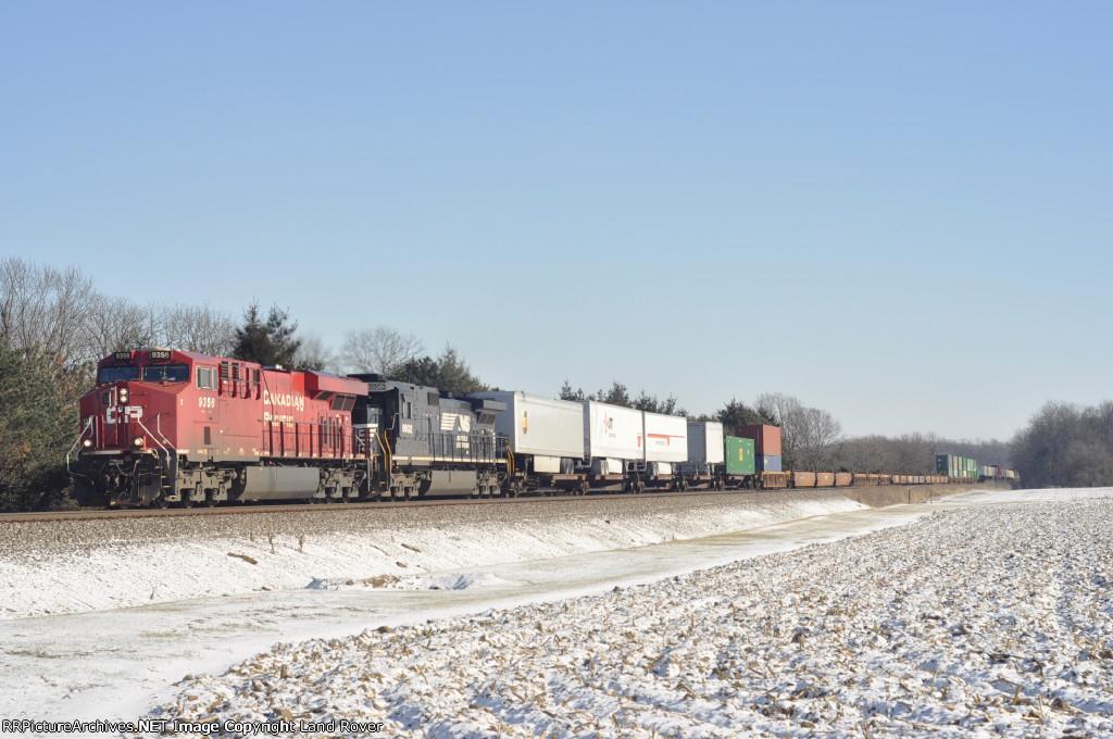 CP 9356 On NS 282 Westbound