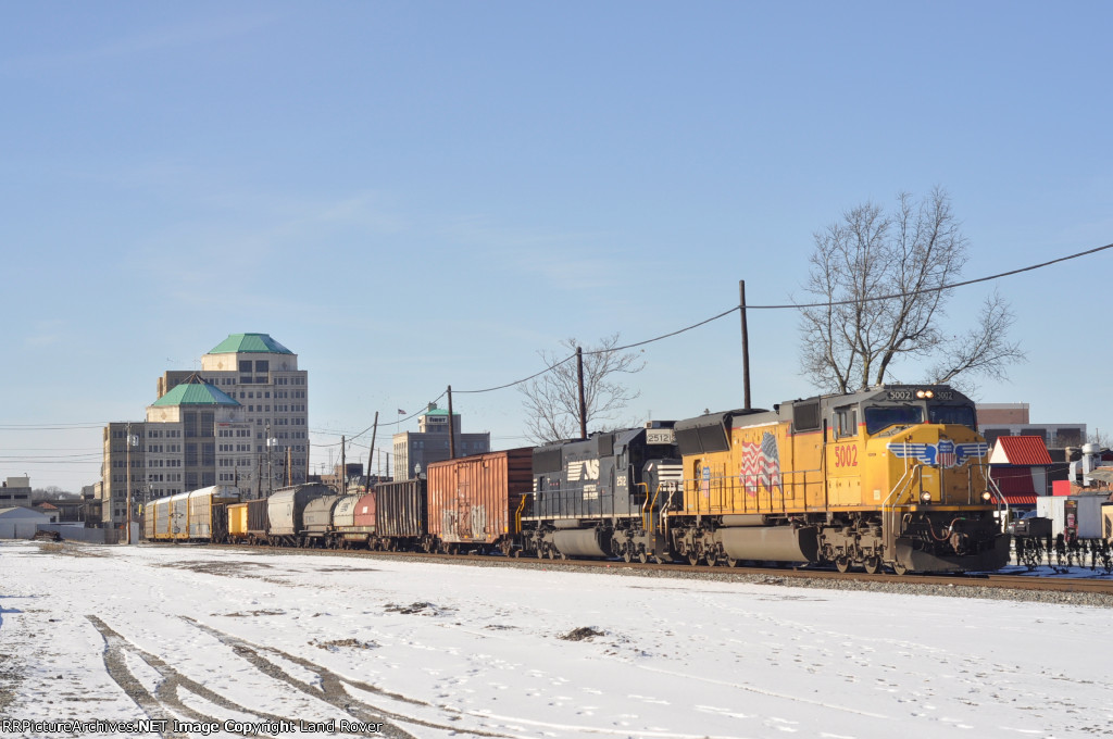 UP 5002 On NS 375 Eastbound