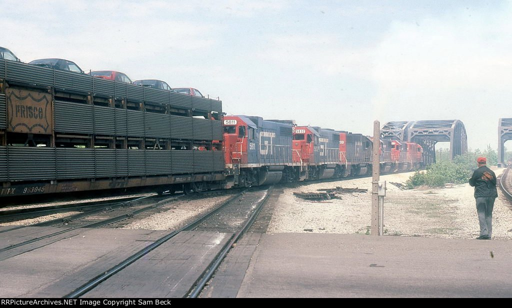 GTW 5811, 5832, 5801, and 3 Other Units on #391