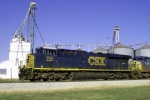 CSXT 904 leads Q275 near Memphis Jct.