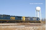 CSXT 555 leads Q502 north