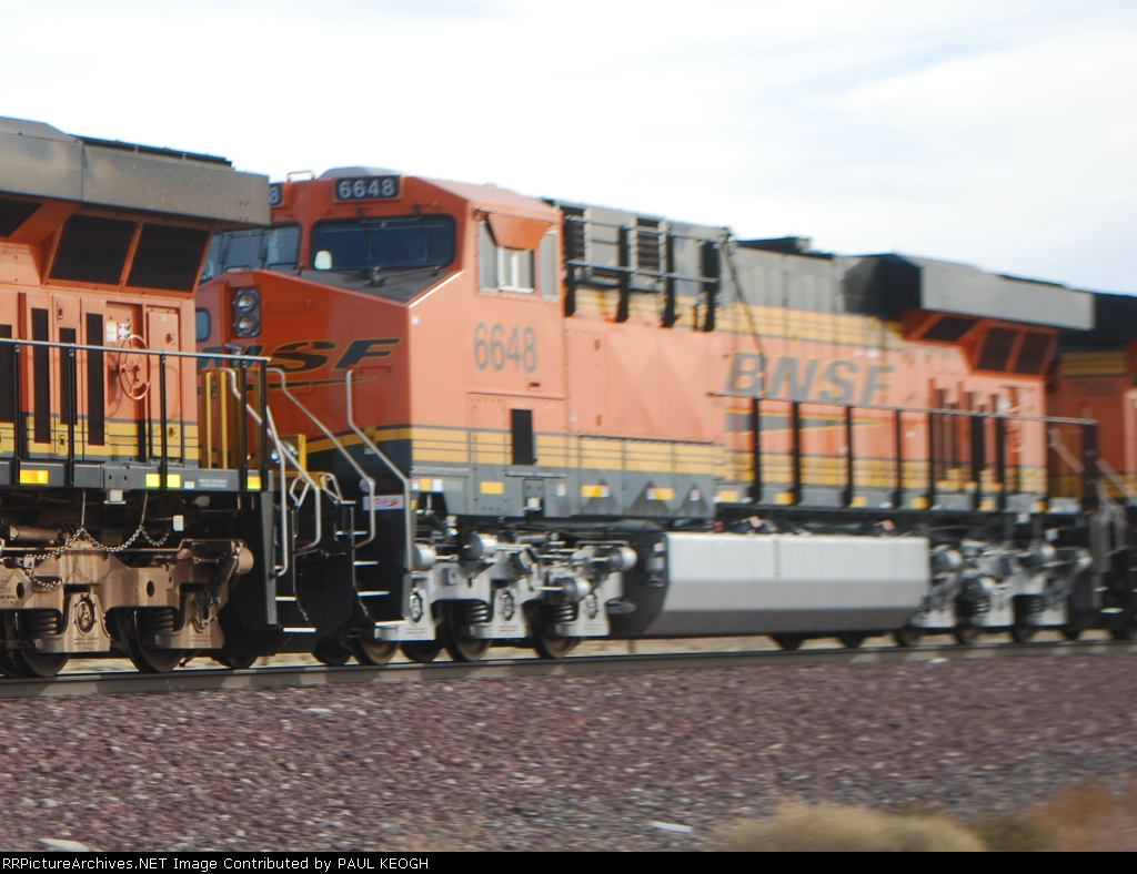 BNSF 6648 rolls westbound towards Mojave, Ca as a # 3 unit on a Z-Train.