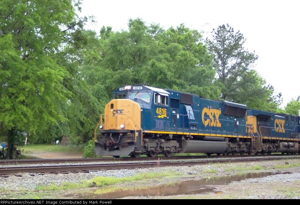CSX 4816 (Q124) heading north