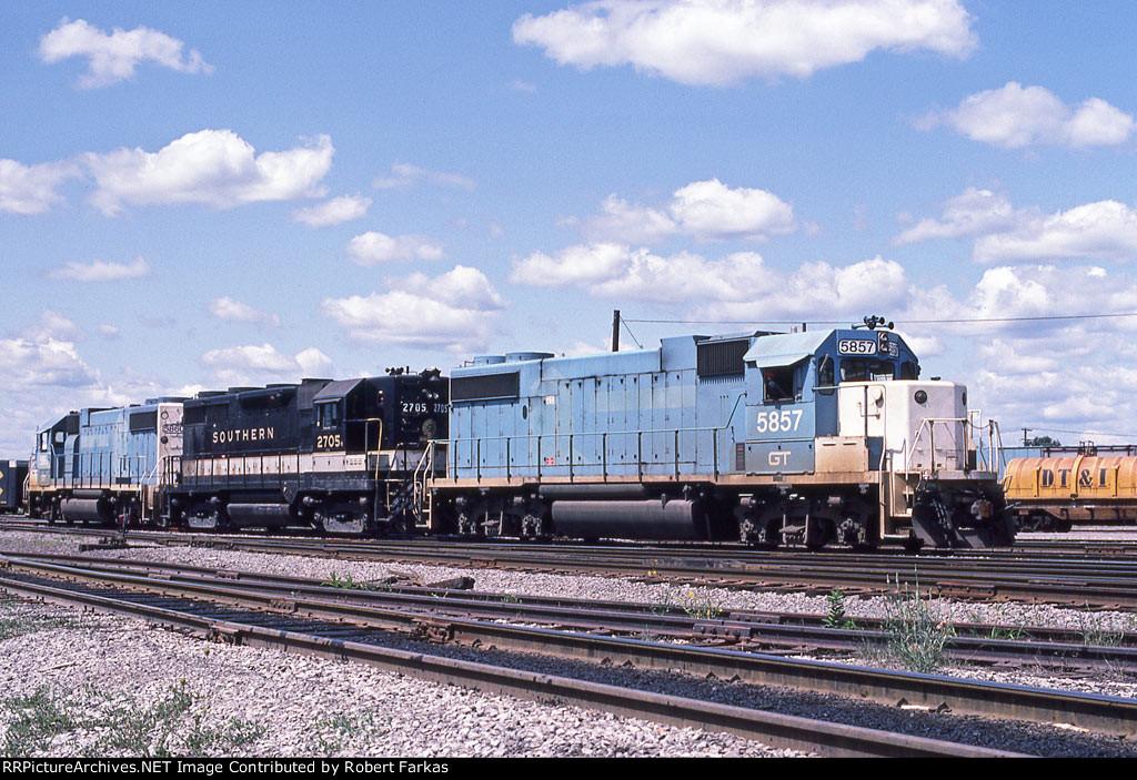 GTW 5857, SR 2705, GTW 5860