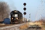 NS 7129, westbound NS train D2M