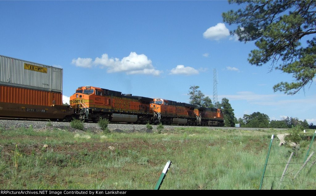 BNSF 4947 Eastbound