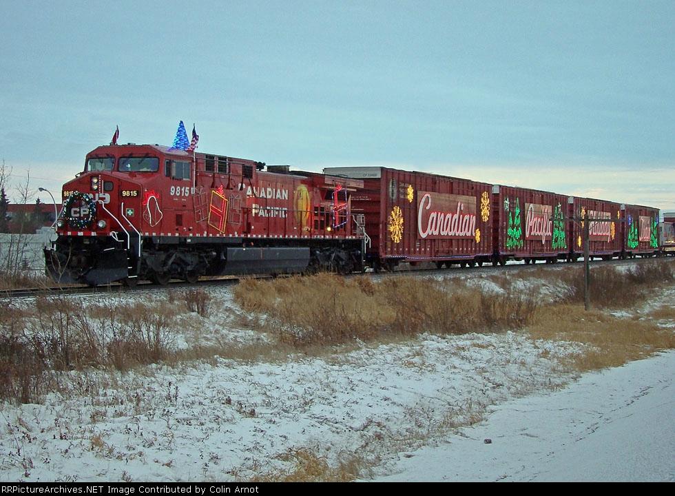 CP 9815 waits at Hobema with the CP Holiday Train