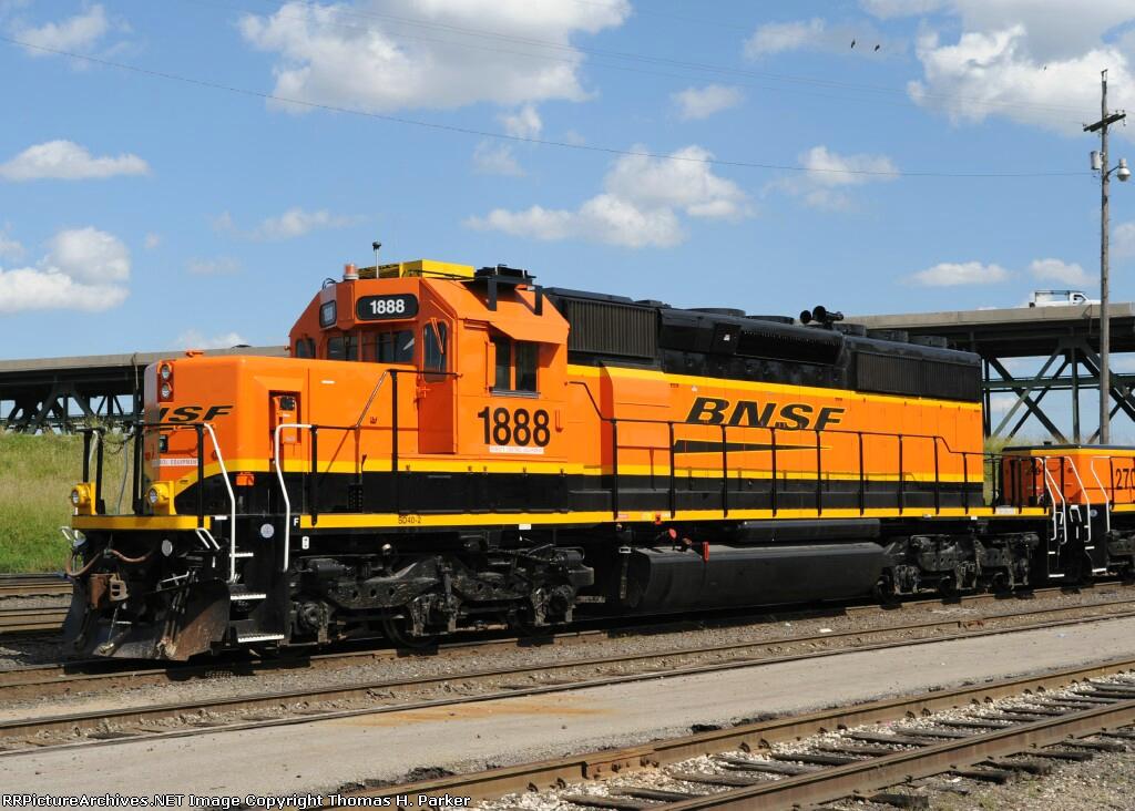 BNSF 1888 SD40-2