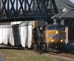 UP Leads Eastbound NS290 @ 1152 hrs