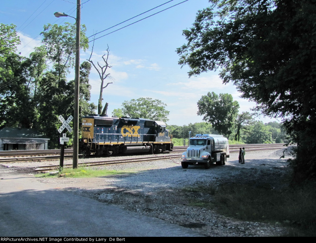 CSX2657 exClinchfield 6006 Refueling the Local Switcher on a hot day