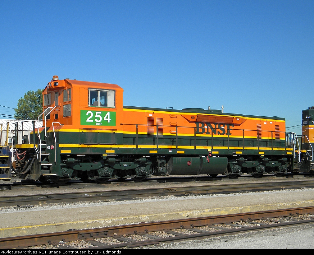 BNSF 254 Right Side