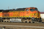 BNSF 5077 Front Right