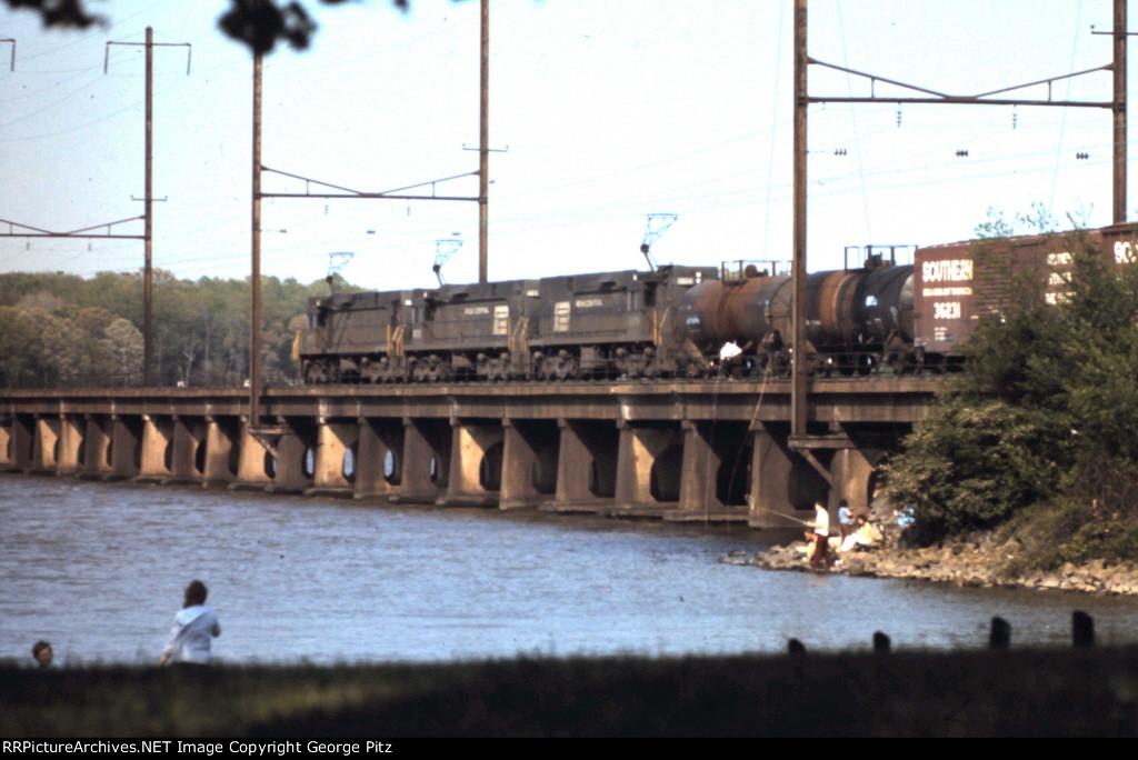 E44's on the Bush River