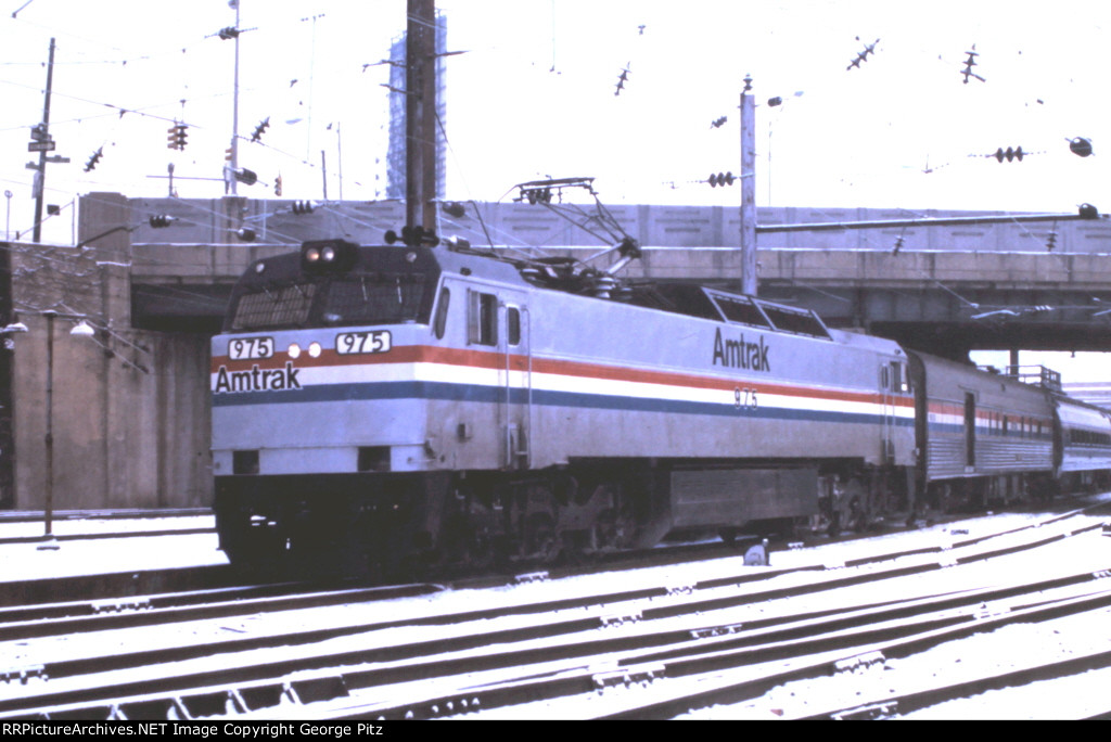 Amtrak E60 975 at Baltimore, MD