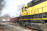 NYSW WSPX with SD40 3022 artrives in town to collect toys