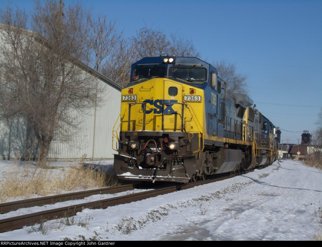 CSX 7363 Leading J745