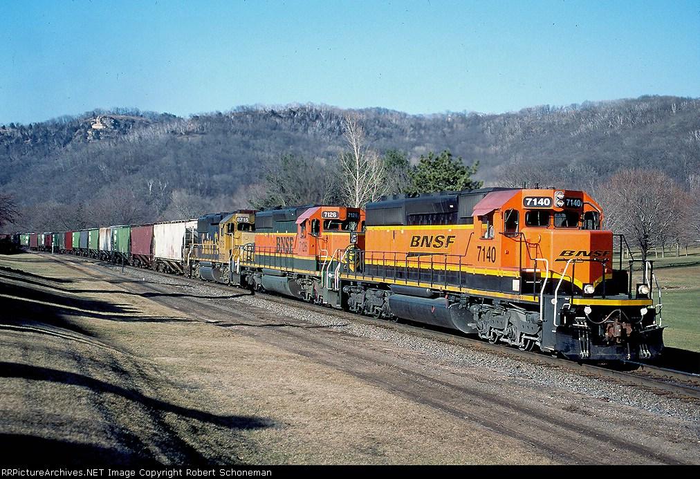BNSF 7140 at